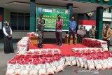 Jamkrida-PT IMK bekerja sama TNI AD, salurkan bantuan beras di Kalteng