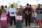 141 KK masyarakat terima BLT di Koto Baru Sijunjung
