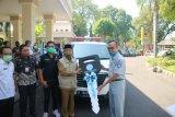 Pemerintah Kota Mataram menerima mobil ambulans dari PT Jasa Raharja