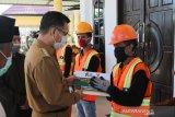 Pemkot Kendari Salurkan Zakat Rp161 Juta kepada 645 Petugas Kebersihan