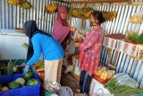 Pedagang sembako di Jayawijaya mulai berjualan secara daring