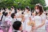 Pernikahan massal perayaan Ali Day di markas Alibaba Kota Hangzhou