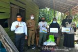 LRSLU Minaula Kendari menyalurkan bansos kepada 381 lansia di Konawe