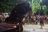 Kejadian kecelakaan beruntun 4 mobil terjadi saat hendak buka puasa