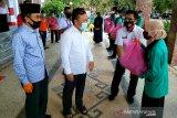 Gubernur Kalteng salurkan bantuan sembako kepada mahasiswa