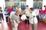 Pemkab Jayapura salurkan bahan makanan kepada 800 sopir angkot