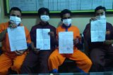 Tak puas pengungkapan kematian anggota keluarganya, 4 pemuda ini provokasi warga blokir jalan