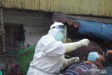 Warga positif COVID-19 Tambora Jakarta tolak isolasi