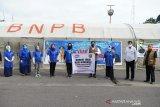Pemprov Sumsel bagikan 1.000 nasi kotak bantuan APJI ke masyarakat terdampak Corona