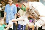 Wakil Bupati Pringsewu bagikan masker kepada masyarakat