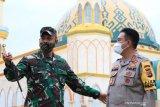 Kapolda NTB meninjau operasional dapur lapangan TNI-Polri