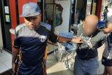 Polisi Jayapura tangkap residivis dan penadah motor hasil curian