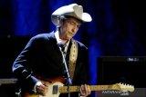 Dampak pandemi COVID-19, Andrea Bocelli, Bob Dylan batal manggung di Hollywood Bowl