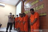 Tujuh tersangka penjual surat sehat palsu diringkus polisi