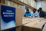 Pegawai Kominfo sumbang berupa APD dan rapid test kit ke rumah sakit