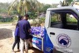 Bantu ringankan beban masyarakat, Nasdem Dharmasraya bagi sembako