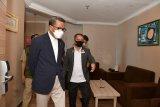 Ratusan peserta wisata COVID-19 dinyatakan sehat dan kembali ke rumah