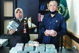 Tiga terpidana kembalikan Rp722 juta uang korupsi ke Kejari Meranti