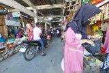 Pedagang di Palu  tidak dilarang berjualan di tengah pandemi COVID-19