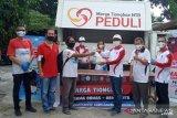 Ratusan pekerja pariwisata di Lombok mendapat bantuan sembako