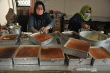 Pesanan kue basah khas Palembang jelang lebaran