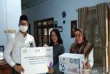 PLN Batang bagikan 91 paket sembako untuk  warga miskin