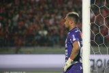 Kiper Samuel Reimas bertahan sendirian di Mes Bali United