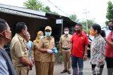 Pemkot Kupang lakukan penyemprotan disinfektan di rumah warga
