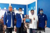 Keluarga Achmad Diran berikan bantuan sembako untuk tiga panti asuhan