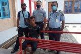 Petugas Lapas Narkotika Doyo Baru Jayapura tangkap pemuda pelempar ganja