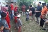FWBS santuni anak yatim dan dhuafa