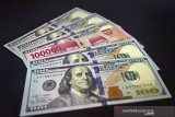 Kurs Rupiah terkoreksi tembus level psikologis Rp14.000 per dolar