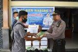 Polres Nabire berikan bantuan sembako untuk wartawan