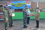 Lanud Adi Soemarmo berbagi sembako untuk warga terdampak