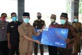 Bupati Pringsewu serahkan BLT dana desa kepada warga terdampak COVID-19