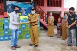 DSLNG serahkan bingkisan ramadhan kepada warga kurang mampu