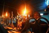 Merayakan TradisiTumbilotohe di Kampung Halaman