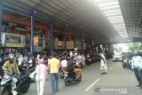 Jelang lebaran, masyarakat padati Pasar Payakumbuh