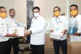 Gubernur Apresiasi Pihak yang Bantu APD untuk Para Medis