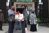 UPZ Baznas UIN Alauddin salurkan zakat fitrah kepada tenaga harian kampus