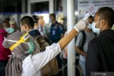 Pekerja migran reaktif rapid test jalani karantina COVID-19 di Batam