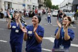 Perawat di Inggris kampanyekan bahaya COVID-19 dengan Bahasa Indonesia