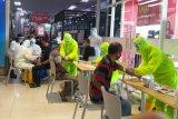 Pengunjung pusat perbelanjaan di Kudus jadi sasaran tes cepat corona