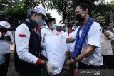 Relawan Indonesia Bersatu beri bantuan sembako mahasiswa perantauan di Jakarta