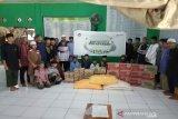 Jelang Idul Fitri, PT Telkomsel Kendari salurkan bantuan CSR sembako