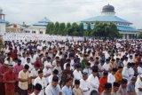 Hari ini, ribuan umat Islam di Nagan Raya Aceh dan Pulau Ambon laksanakan Shalat Idul Fitri