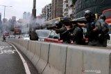 Polisi bubarkan demonstrasi terbesar sejak wabah corona di Hong Kong