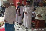 Wabup Kotawaringin Barat gelar shalat Idul Fitri berjamaah di rumah