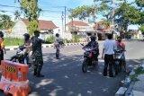 Langgar protokol COVID-19, ratusan pengendara yang akan masuk Kota Mataram putar balik