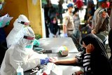 Pedagang dan pengunjung di Pasar Kahayan ikuti 'rapid test' massal